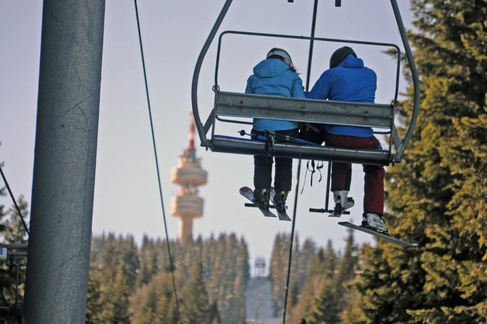 pamprorvo-mechi-chal-one-ski-pass