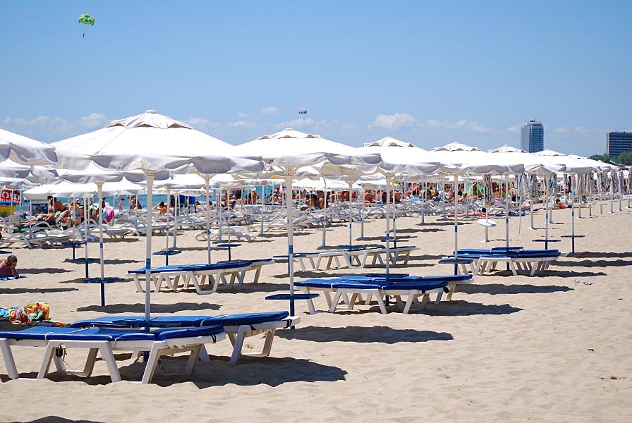 sunny beach stalls