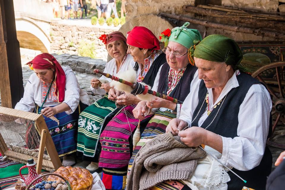 etara traditional crafts