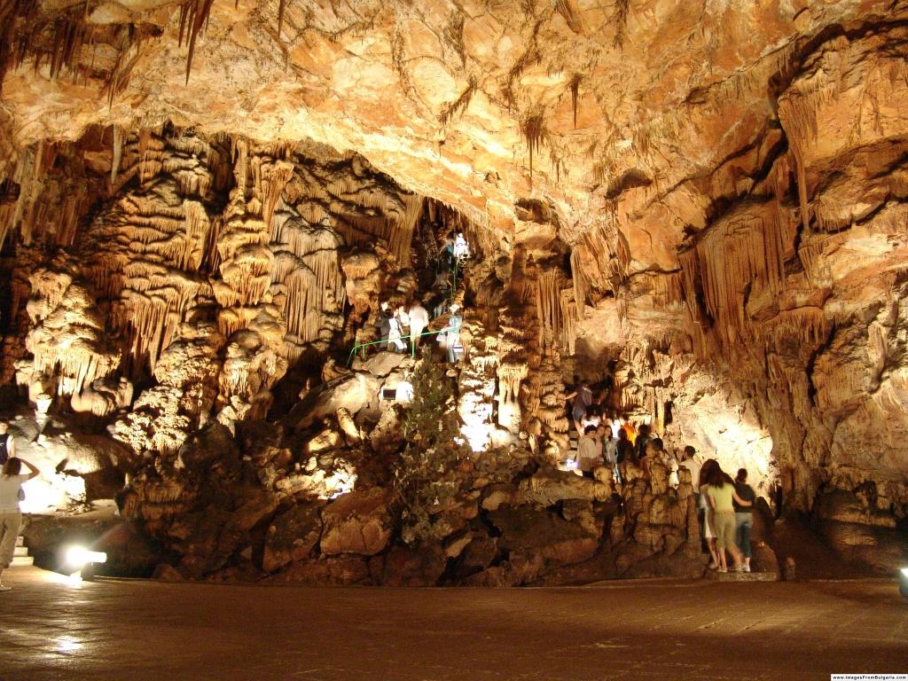 Sueva dupka cave